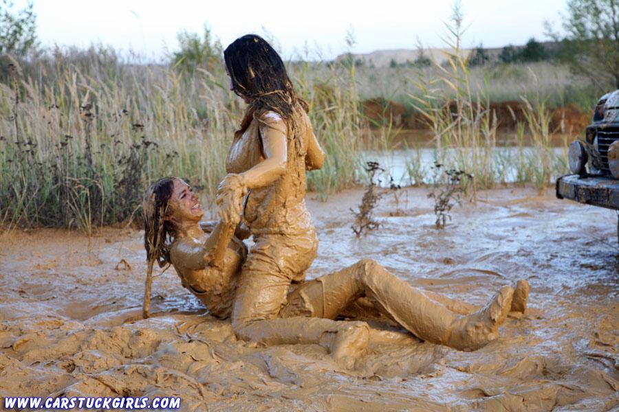 Fight ladies mud Newsflare